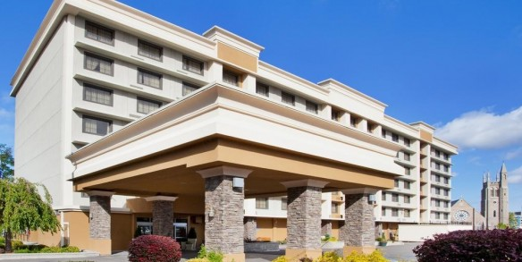 Holiday Inn-Niagara Falls